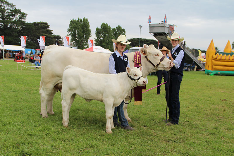 Ellen and Claire Cook with Rangan Showgirl C7